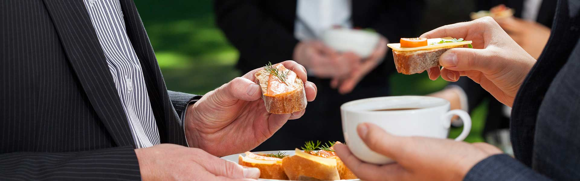 https://thefrenchgourmet.com/wp-content/uploads/2018/02/corporate-catering-informal.jpg