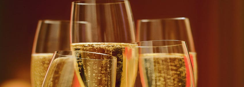 https://thefrenchgourmet.com/wp-content/uploads/2018/11/holiday_champagne_bubbly_tasting_event_2018.jpg