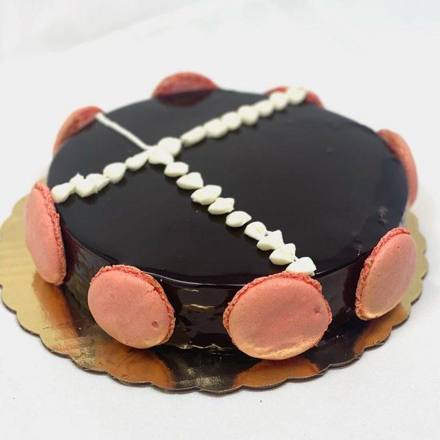 Chocolate Miroir Cake