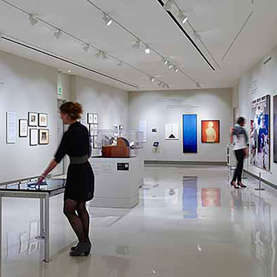 https://thefrenchgourmet.com/wp-content/uploads/2021/07/museum-of-photographic-arts.jpg